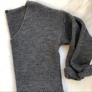 Brandy Melville Chunky Knit V Neck Sweater